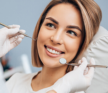 Replace your missing tooth with a dental implant in Tucson, AZ